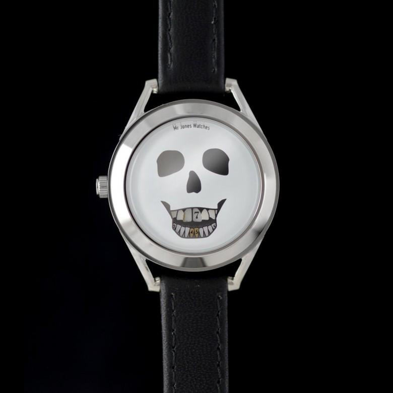 英国mr Jones Watches 骷髅图案女款皮表带手工石英表
