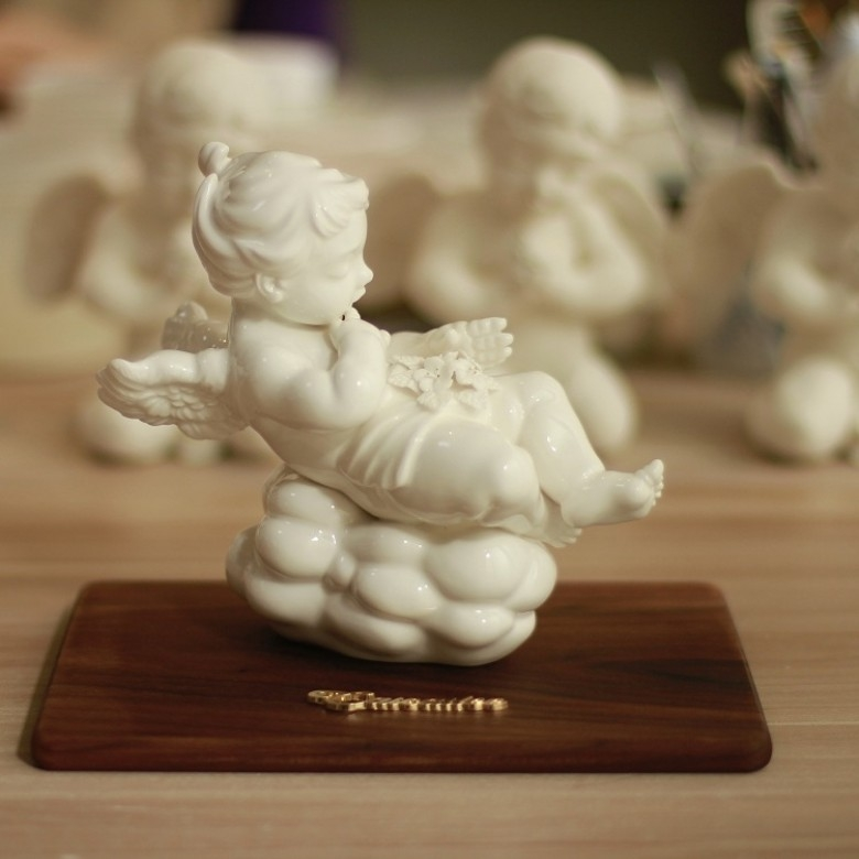 彩彩李·为爱而飞瓷艺雕塑配美国黑胡桃木底座