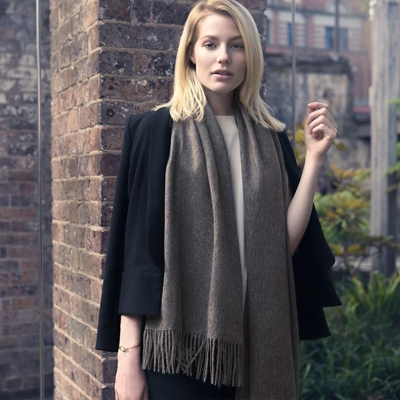Classic系列经典款100%澳洲羊毛披肩围巾礼盒装