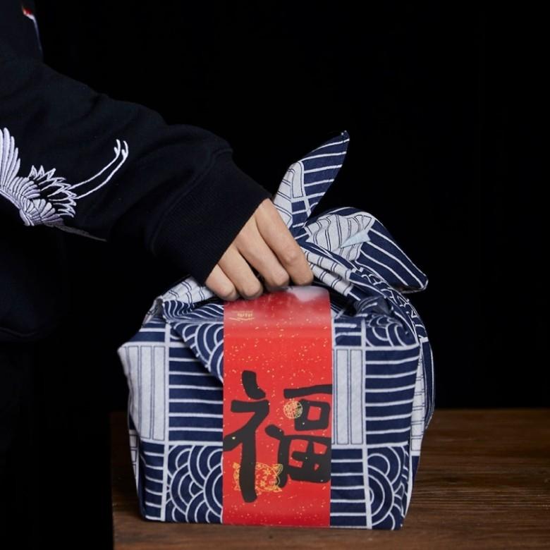街角·四方福礼盒高档年货64枚糕点(风吕敷版)